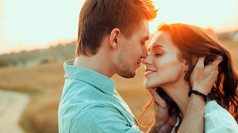Estar enamorado es bueno para el corazón. gCardio es distribuidor Oficial para España de desfibriladores la marca Zoll. Visite nuestra tienda Online.